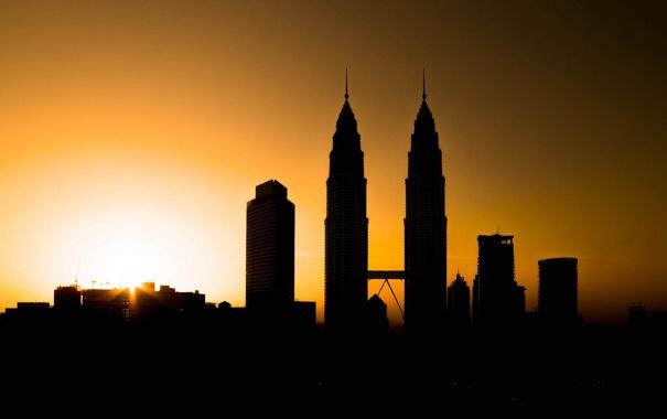 Фото обои небо, закат, город, башня, силуэт, Малайзия, Куала-Лумпур