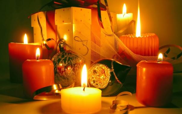 Фото обои огонь, подарок, шары, новый год, свеча, свечи, колокольчик