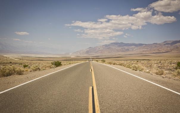 Фото обои дорога, небо, облака, горы, пустыня, горизонт