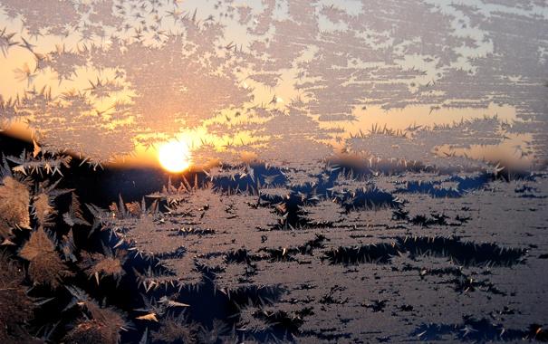 Фото обои закат, окно, зима, узор, мороз