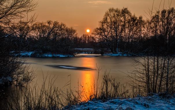 Фото обои лед, лес, снег, закат, озеро