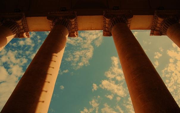 Фото обои небо, город, колонны, архитектура, постройка
