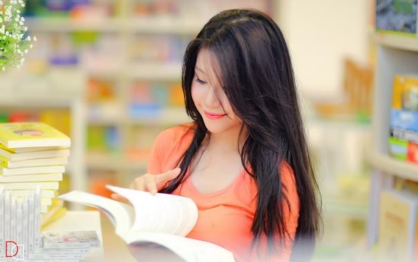 Фото обои девушка, улыбка, книга, азиатка