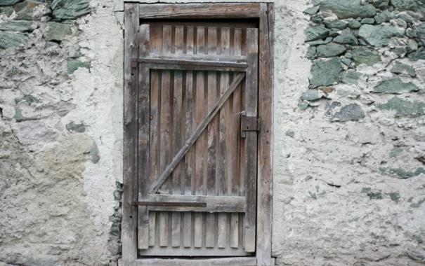 Фото обои spent, lack of maintenance, wooden door