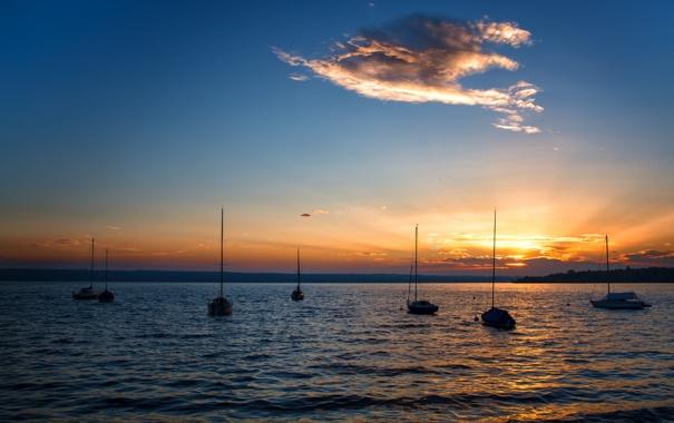 Фото обои закат, озеро, лодки, облако