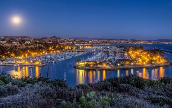 Фото обои море, горы, огни, дома, яхты, вечер, порт