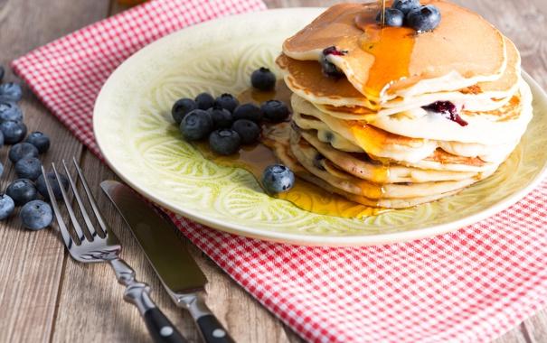 Фото обои ягоды, стол, черника, мед, посуда, мёд, блины