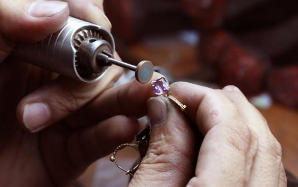 Фото обои diamond, jewelery, jeweler, gemstone, polishing