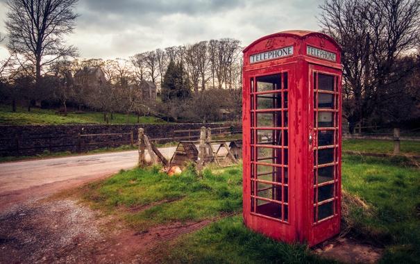 Фото обои дорога, трава, деревья, Англия, красная, телефонная будка, England
