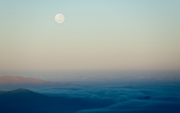 Фото обои небо, облака, горы, луна