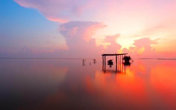 Фото обои море, небо, облака, закат, озеро, отражение, лодка
