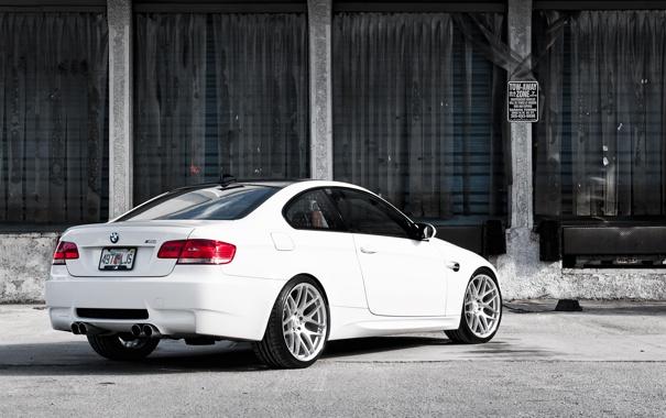 Фото обои бмв, BMW, склад, белая, white, E92, задняя часть