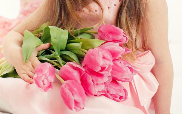 Фото девушки с цветами » m 6