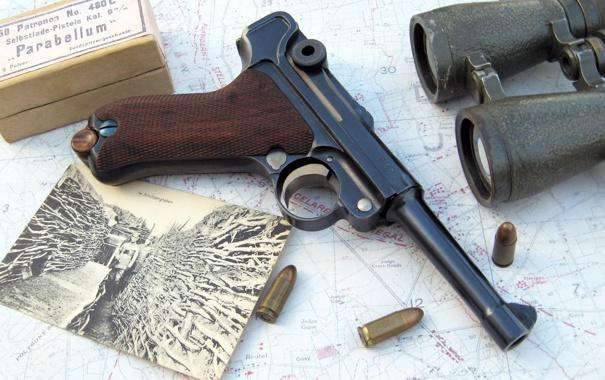Фото обои фото, пистолет, карта, бинокль, патроны, Парабеллум, P08
