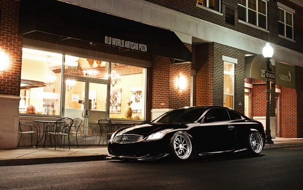 Фото обои ночь, улица, тюнинг, купе, кафе, infiniti, инфинити