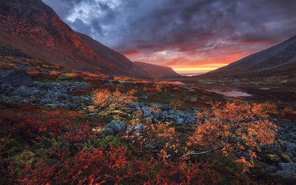 Фото обои осень, небо, закат, горы, тучи, камни, озера