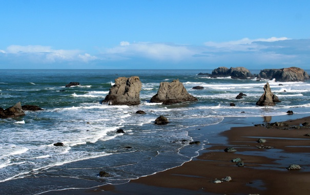 Фото обои море, волны, камни, скалы, побережье, горизонт