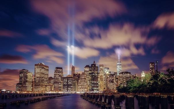 Фото обои свет, ночь, город, огни, река, здания, Нью-Йорк