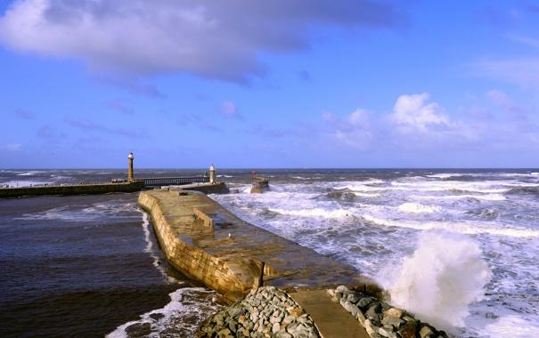 Фото обои море, волны, Англия, маяки, Уитби