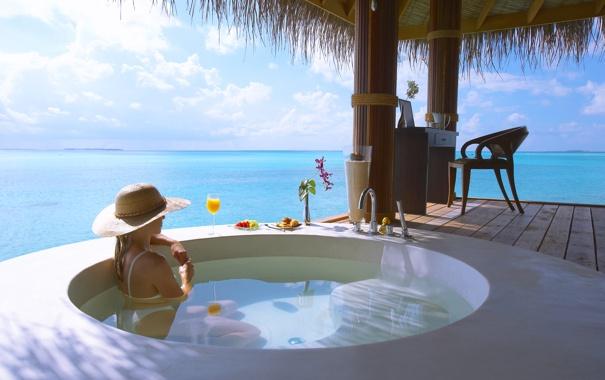Фото обои девушка, солнце, океан, ванна, уединение, релаксация