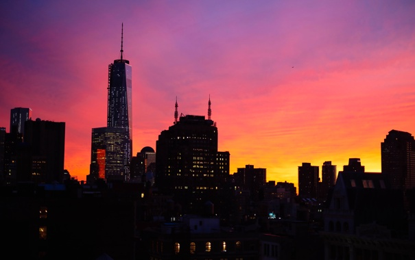 Фото обои небо, закат, огни, небоскреб, дома, Нью-Йорк, вечер