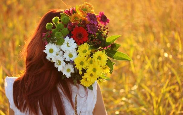 Фото девушки с цветами » m 27