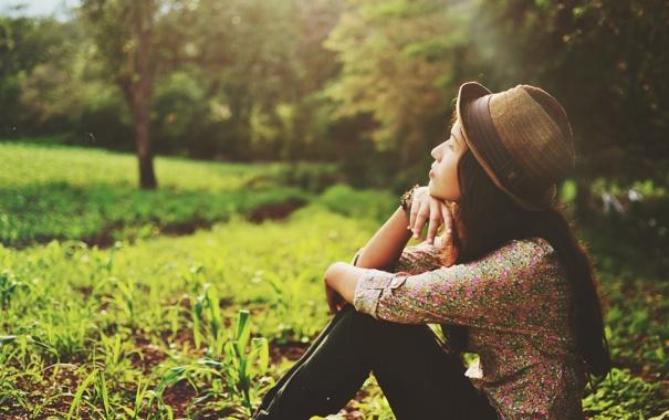 Фото обои лето, девушка, шляпа, профиль, шляпка, локоны