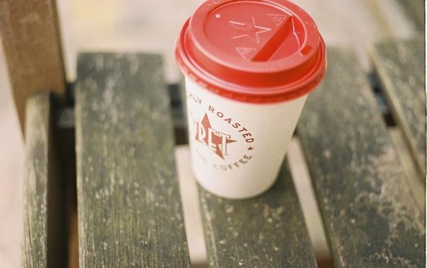 Фото обои скамейка, улица, Лондон, кофе, ожидание