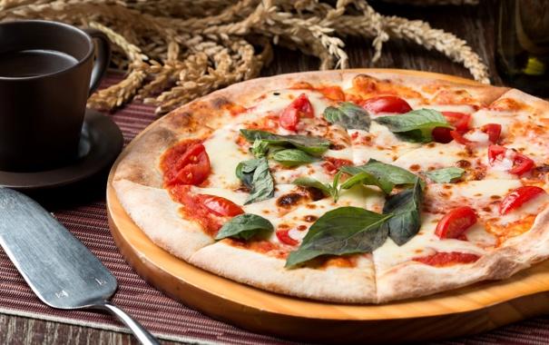 Фото обои сыр, пицца, помидоры, базилик