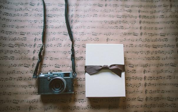 Фото обои подарок, фотоаппарат, лента