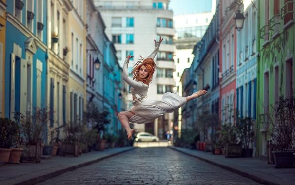 Фото обои девушка, город, прыжок, улица, танец, Elisa Virgil