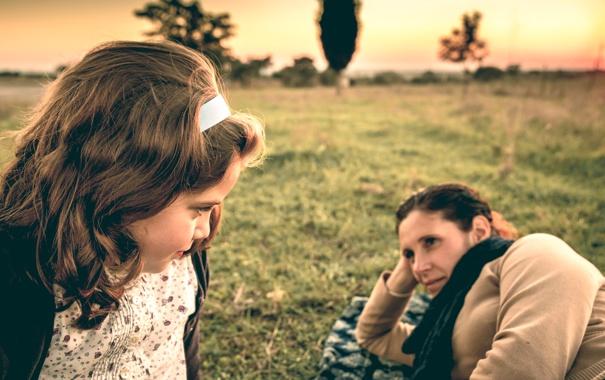 Фото обои взгляд, девочка, мама