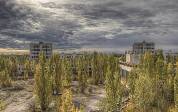 Фото обои осень, Припять, Украина, Чернобыль, пасмурно, тучи