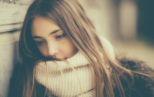 Фото обои грусть, взгляд, портрет, шарф