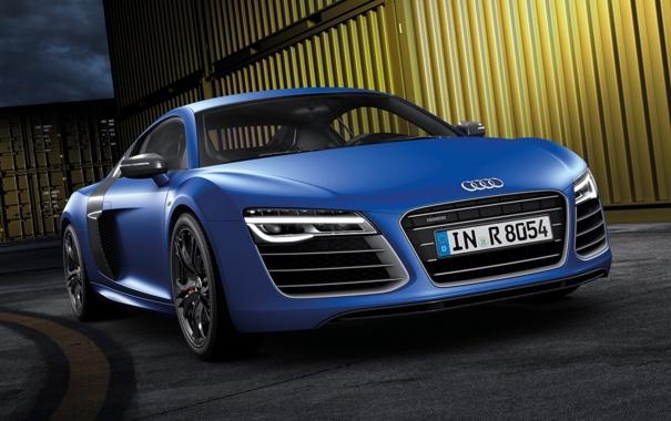 Фото обои синий, город, фон, Audi, Ауди, суперкар, передок