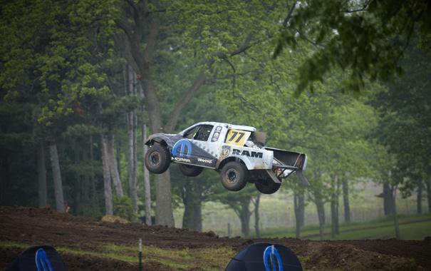 Фото обои машина, авто, деревья, пейзаж, природа, обои, гонка