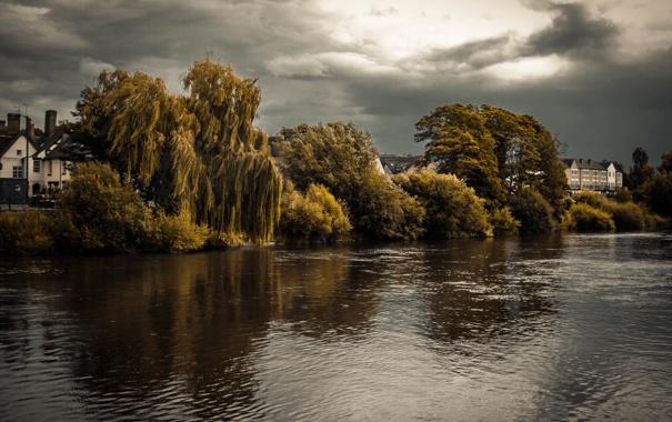 Фото обои облака, река, деревья, гроза, деревня