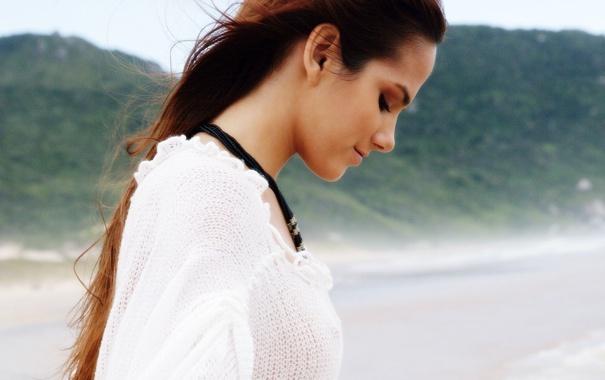 Фото обои пляж, девушка, природа, девушки, ветер, настроения