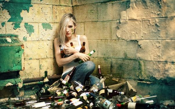 Фото обои девушка, ситуация, бутылки