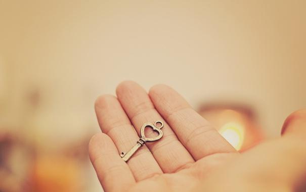 Фото обои рука, ключ, пальцы
