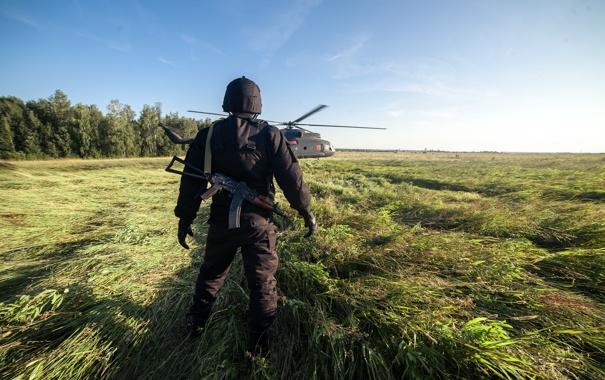 Фото обои поле, трава, фантастика, кадр, автомат, вертолет, шлем