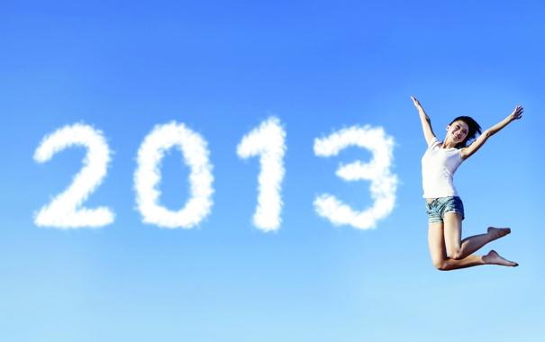 Фото обои девушка, радость, прыжок, маечка, 2013