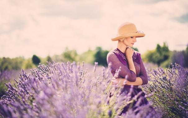 Фото обои лаванда, профиль, блондинка, шляпка, девушка, цветы