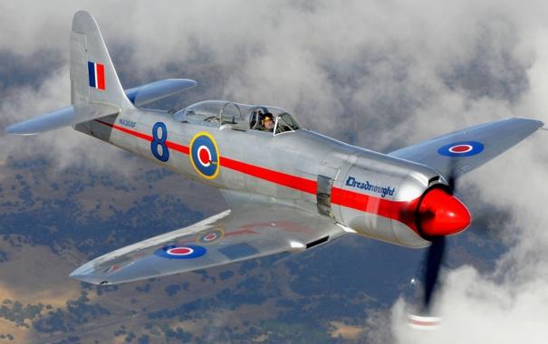 Фото обои небо, облака, полет, самолет, истребитель, пилот, пропеллер