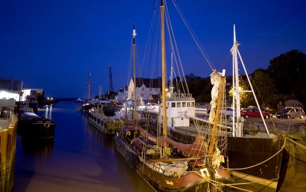 Фото обои море, небо, деревья, ночь, корабль, бухта, канал