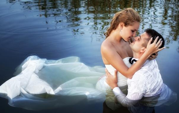 Фото обои девушка, любовь, белое, романтика, чувства, платье, объятия