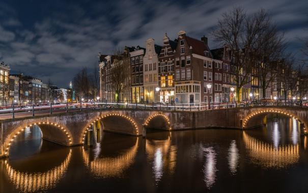 Фото обои ночь, огни, река, дома, Амстердам, мосты, набережная