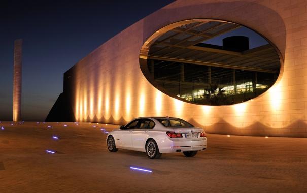 Фото обои Вечер, Авто, Белый, BMW, Машина, Бумер, БМВ