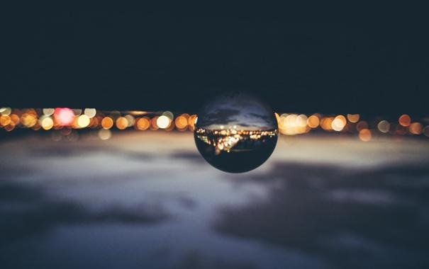 Фото обои облака, закат, город, огни, отражение, зеркало, глобус