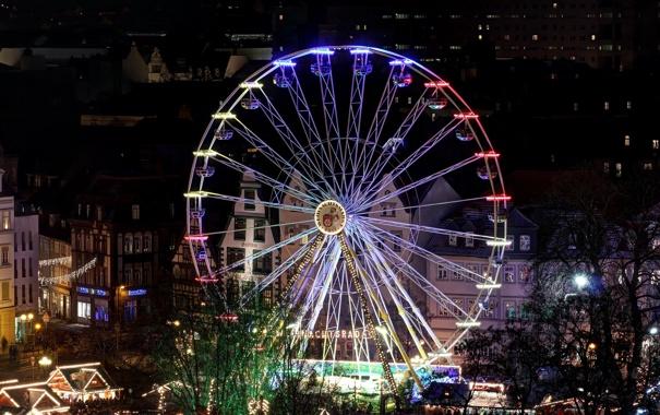 Фото обои ночь, город, огни, дома, колесо, Германия, Рождество
